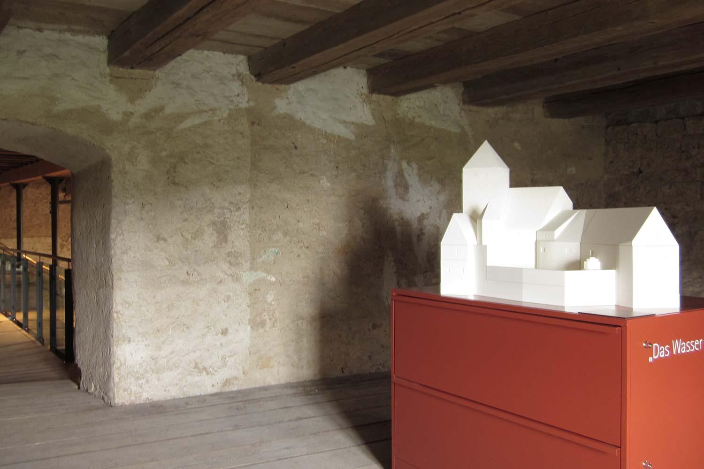 Räumliche Aufstellung des Modell der Burg Prunn
