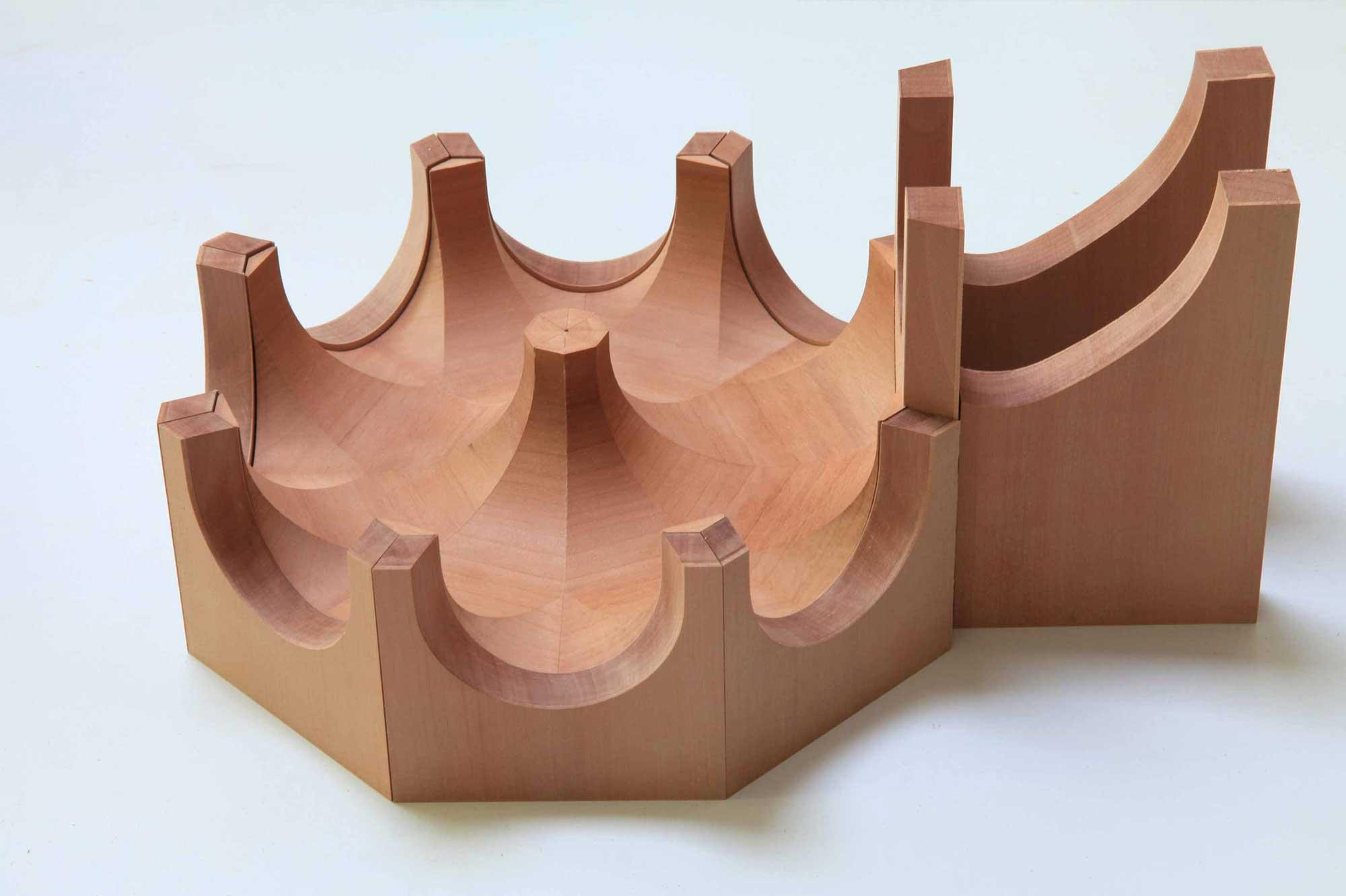 Verleimtes Gewölbe mit ausgefrästen Stichkappen in Gebäudeaussenschale eingelegt