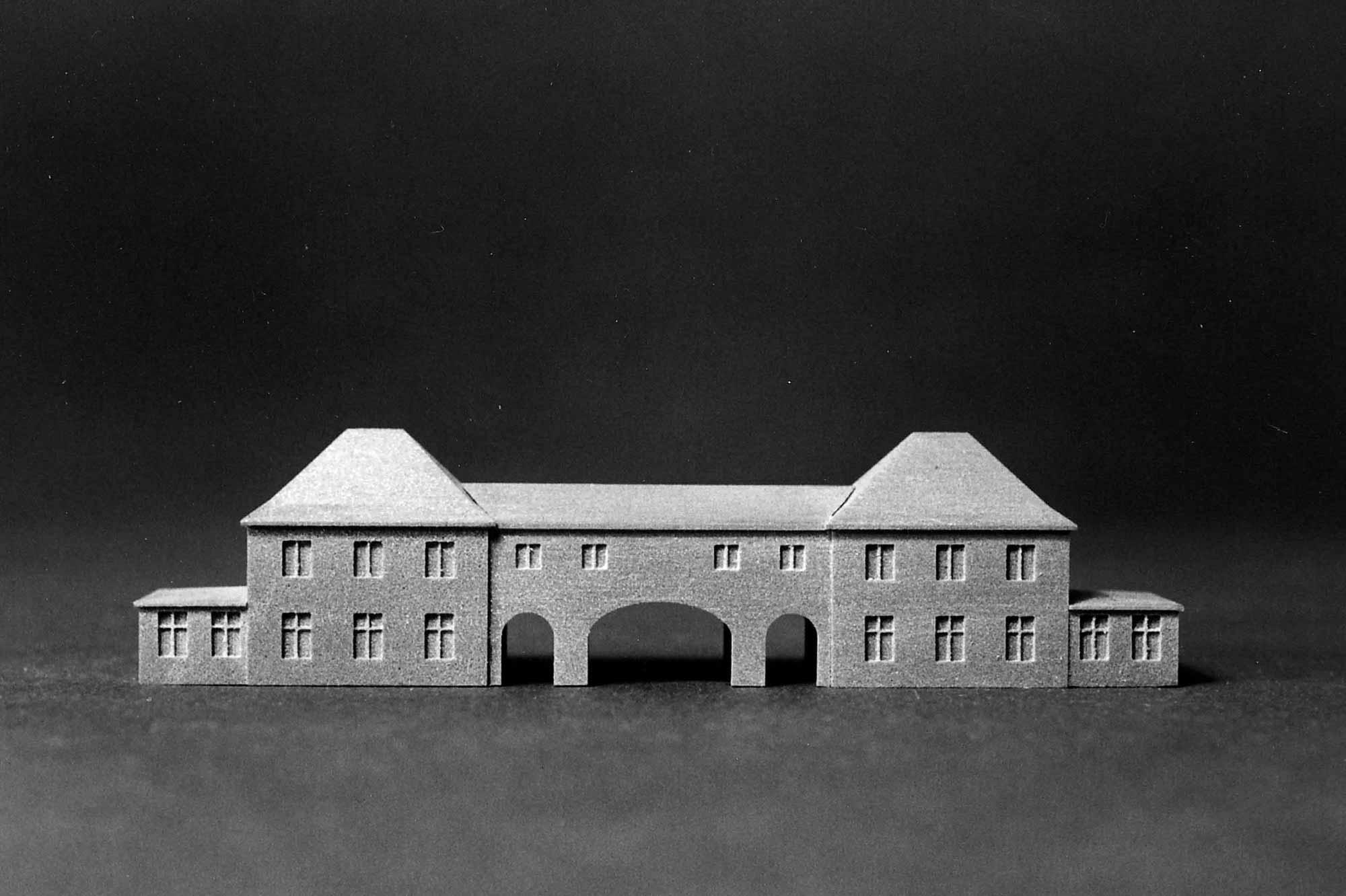 Verhör im Licht, Fotodokumentation Modell, SS-Hauptwache KZ Dachau
