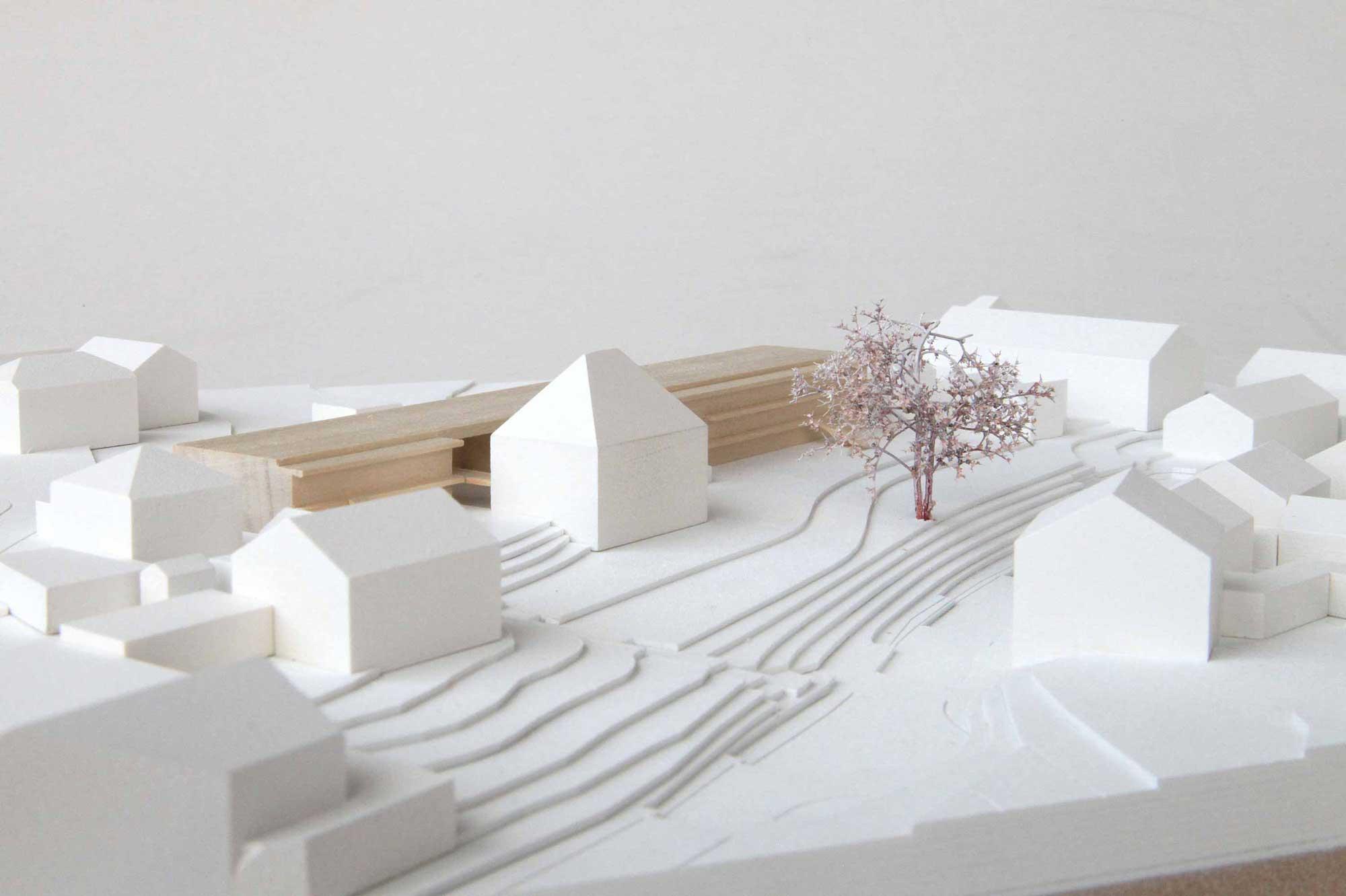 Wettbewerbsmodell Holz Familienhaus Ebersberg Bestand und Neubau