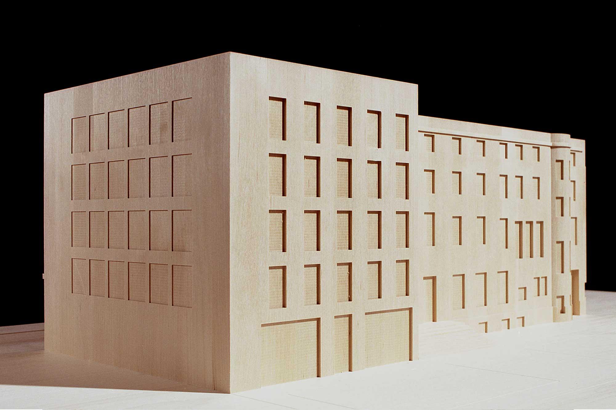 Rückseite des Modells der Schweizer Botschaft Berlin